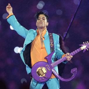 Prince-bajo-una-lluvia-purpura